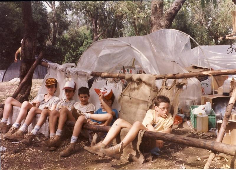 תמונה 7- 117 - קבוצת אתרוג - מחנה סיירים 1990 - אורי ענבר גל רוטמן יואב ברעם אלון אדר ארנון כץ