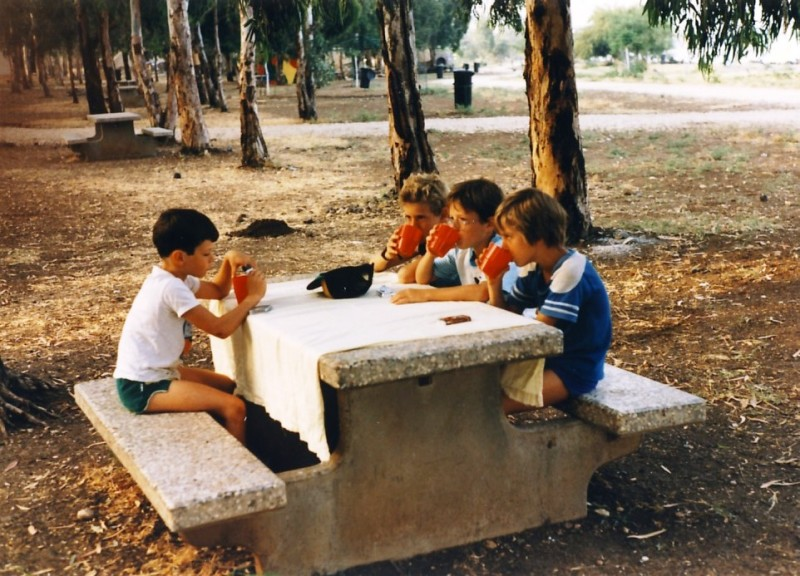 תמונה 3- 55 - קבוצת אתרוג בטיול 1985 - חן ארבל אורי ענבר אלון אדר