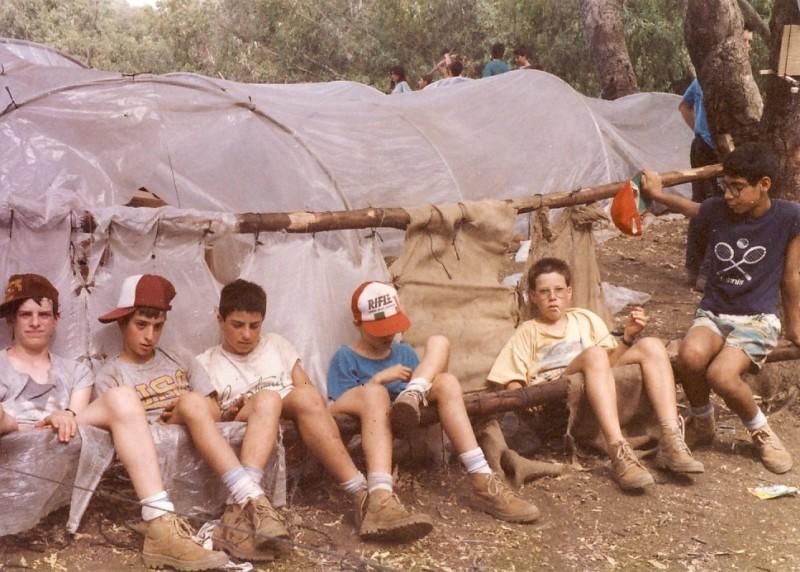 תמונה 5- 117 - קבוצת אתרוג - מחנה סיירים 1990 - שגיא אורי ענבר גל רוטמן יואב ברעם אלון אדר ארנון כץ