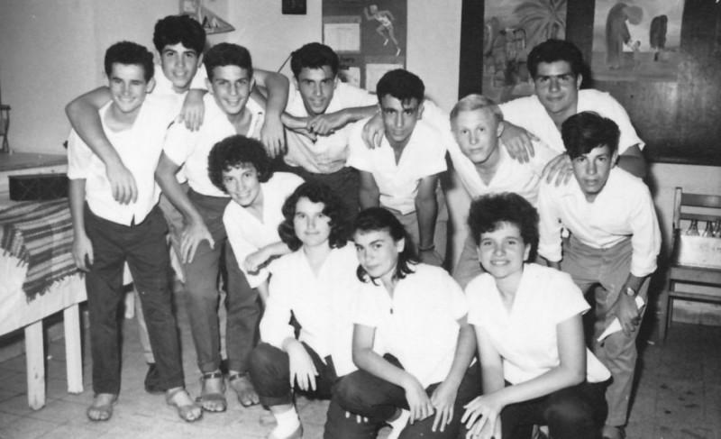תמונה 9- 127 - מסיבת סיום גפן 1962 - מאיר שוורץ-שני מריאן
