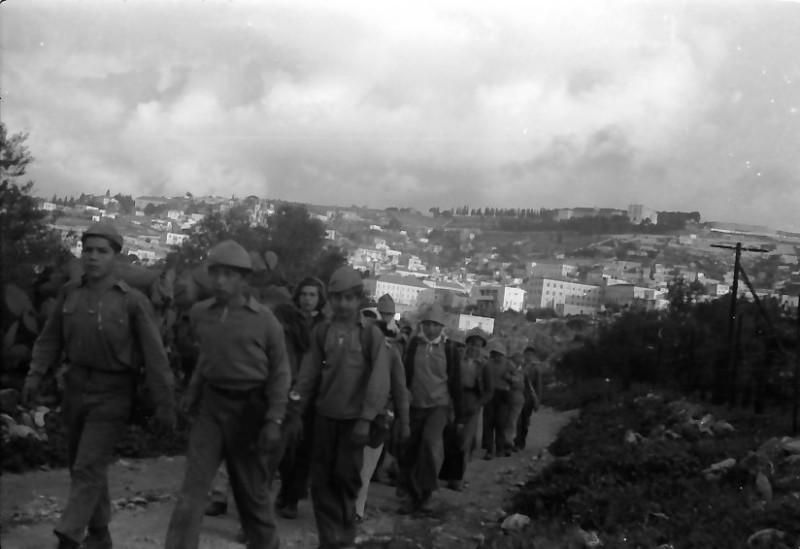 תמונה 12- 591 -ג'ש 1960-קב' גפן בטיול