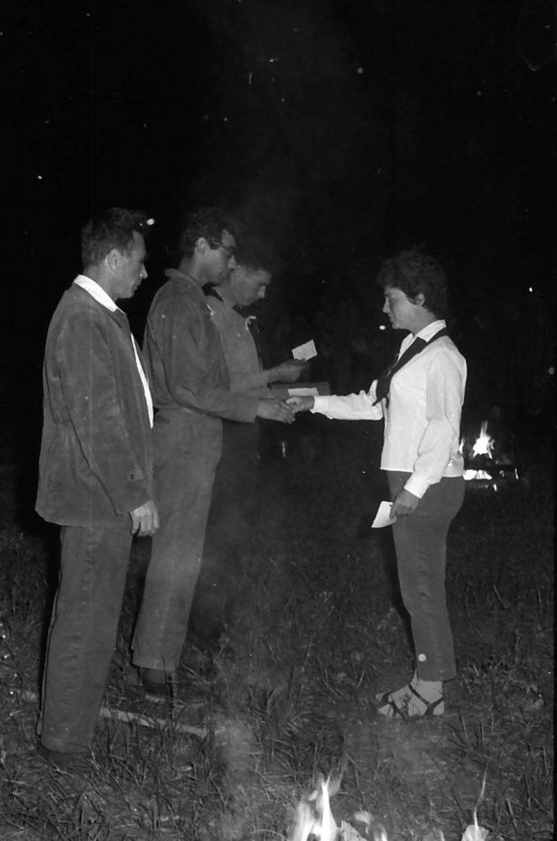 תמונה 18- 695 -ג'ש 1964-קב' גפן-סמלי בוגרים-בניו גרינבוים ולזיהוי
