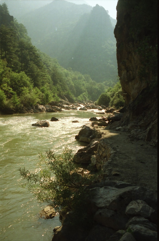 תמונה 20- 304 -גש 1991-בטיול ליוון-קב חורש