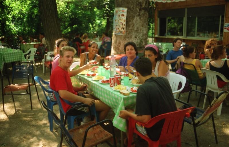 תמונה 13- 304 -גש 1991-בטיול ליוון-קב חורש-אליזבט כץ ענת צנטנר