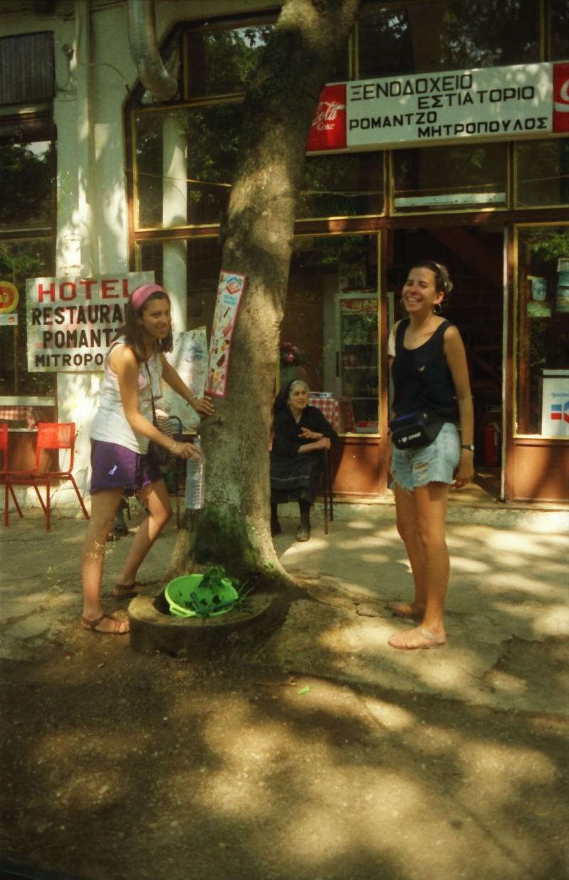 תמונה 14- 304 -גש 1991-בטיול ליוון-קב חורש-חגית בראות נגה חנני