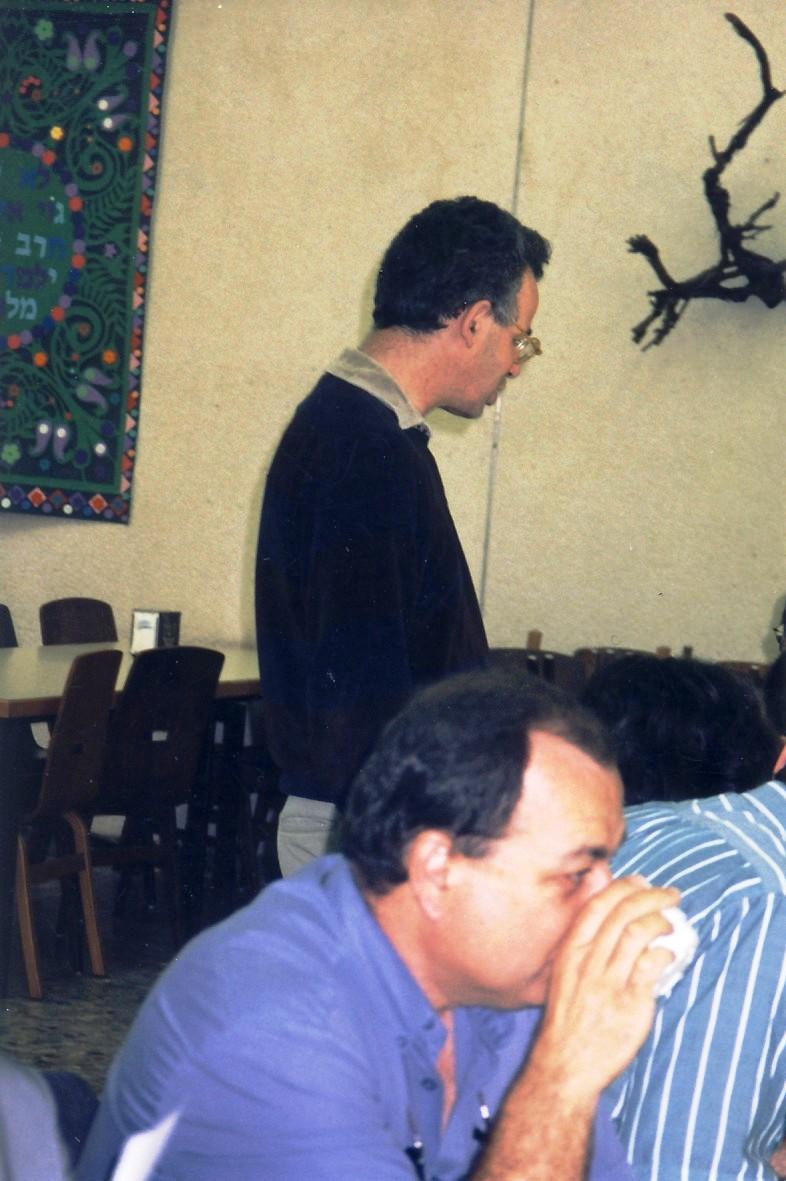 תמונה 3- 133 - כנס חברי קבוצת נרקיס (בני 50) 2001 - אורי הדר