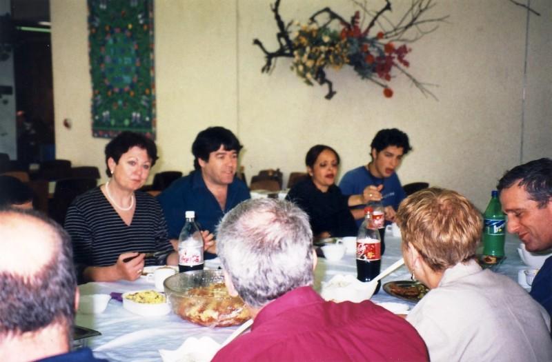 תמונה 1- 133 - כנס חברי קבוצת נרקיס (בני 50) 2001 - ציונה עוזי ואלון לוי אסתי ינאי עמרי כנען