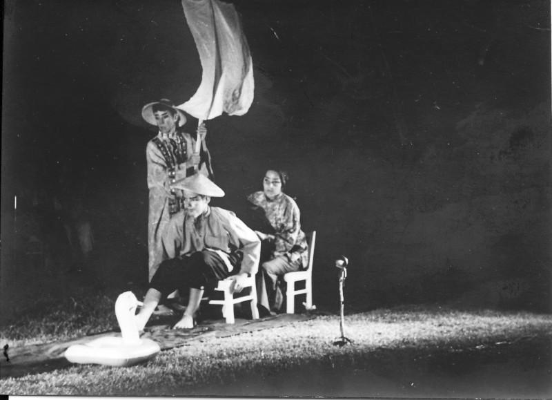 תמונה 4- 21 - הצגת הנסיך הגנוב-קבוצת נרקיס 1963