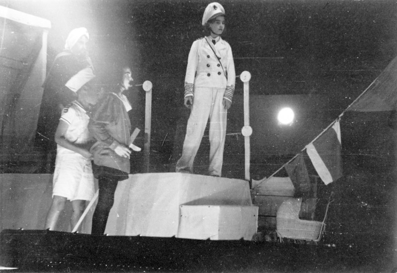 תמונה 3- 260 - הצגת סיום כיתה ז' קבוצת נשר 1952 - רינה פרנק
