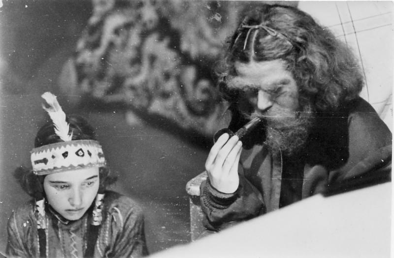 תמונה 5- 31 - הצגת קבוצת נשר שנות ה-40-50 - רבקה דור-שחר