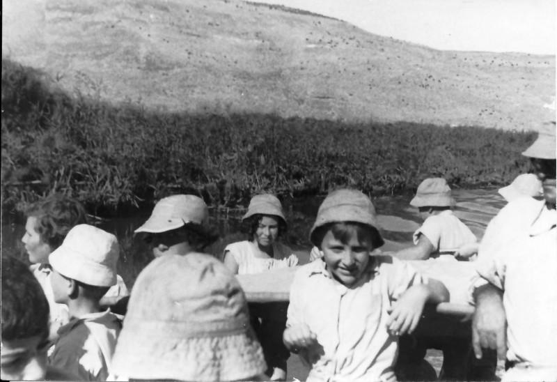 תמונה 5- 250 - קבוצת נשר בטיול שנות ה-50 - ניצה סימון נעמי הניג-ארבל