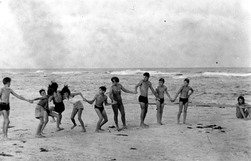 תמונה 9- 266 - קבוצת נשר בקייטנה במכמורת 1952