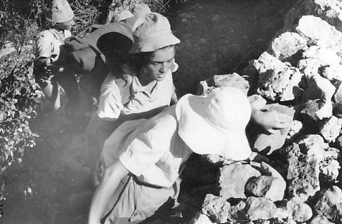תמונה 10- 34 - קבוצת נשר בטיול שנות ה-50 - דליה פלגי