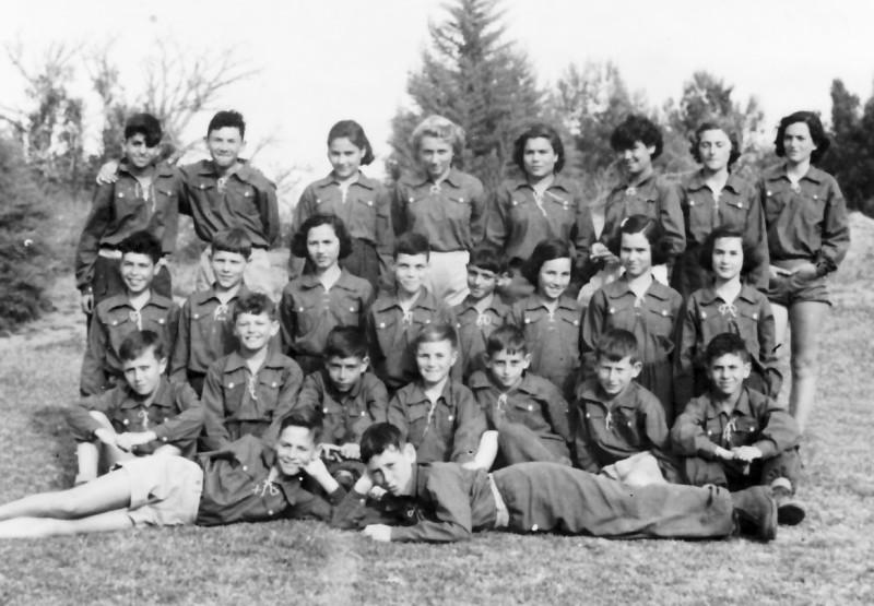 תמונה 10- 593 -ג'ש 1951-קבוצת נשר-שמות בגב התמונה ובסכום