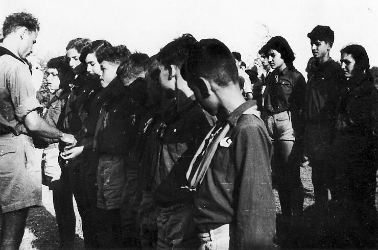 תמונה 11- 309 - קבוצת נשר במפקד שומרי - רן כהן ובצלאל לב - שנות ה-50