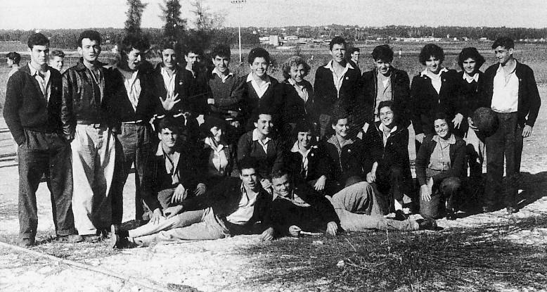 תמונה 15- 309 - קבוצת נשר בסמינר י'ב בגבעת חביבה 1957