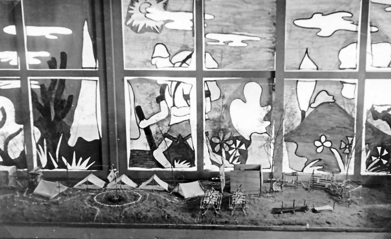 תמונה 19- 37 -ג'ש 1953-קבוצת נשר-בתערוכת סיום השנה