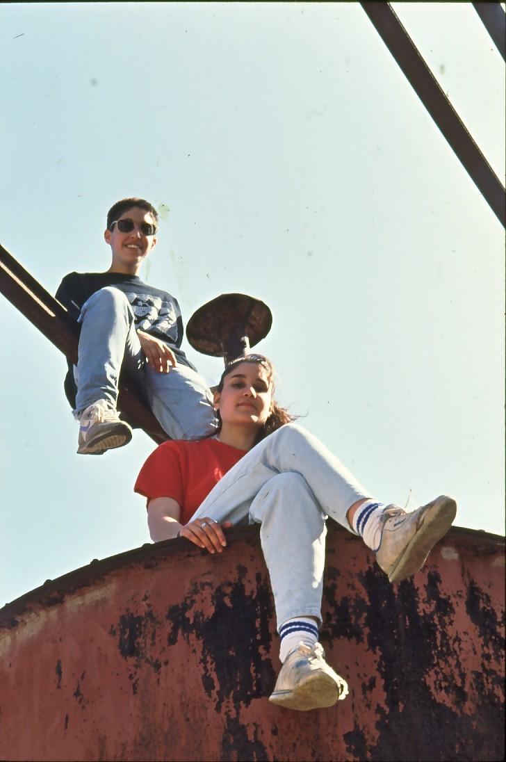שקופית 25- 71 -קב' סביון 1992-מעין מידן שביט גל