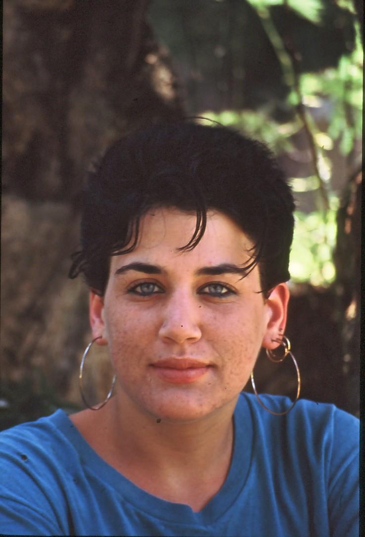 שקופית 8- 71 -קב' סביון 1992-קרן חתואל