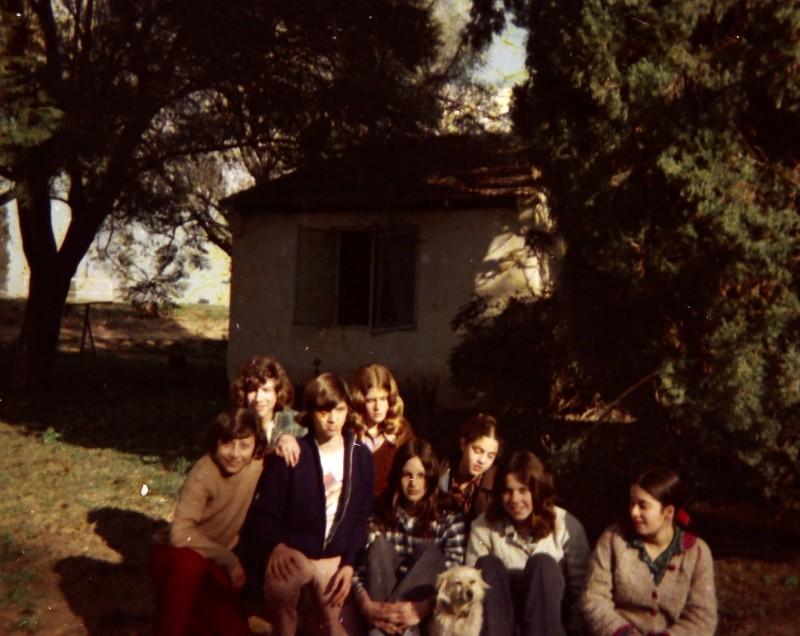 תמונה 29- 260 -ג'ש 1976-9-נערי קבוצת שדה במוסד