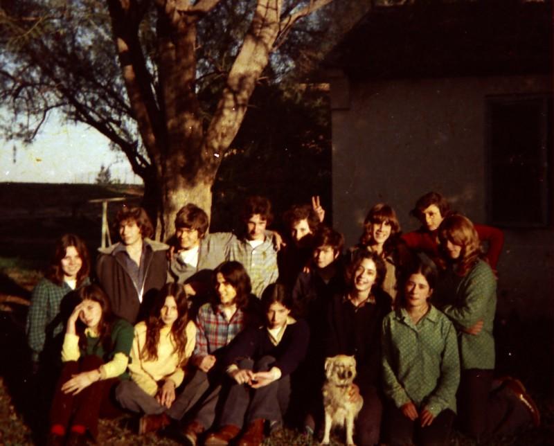 תמונה 22- 260 -ג'ש 1976-9-נערי קבוצת שדה במוסד