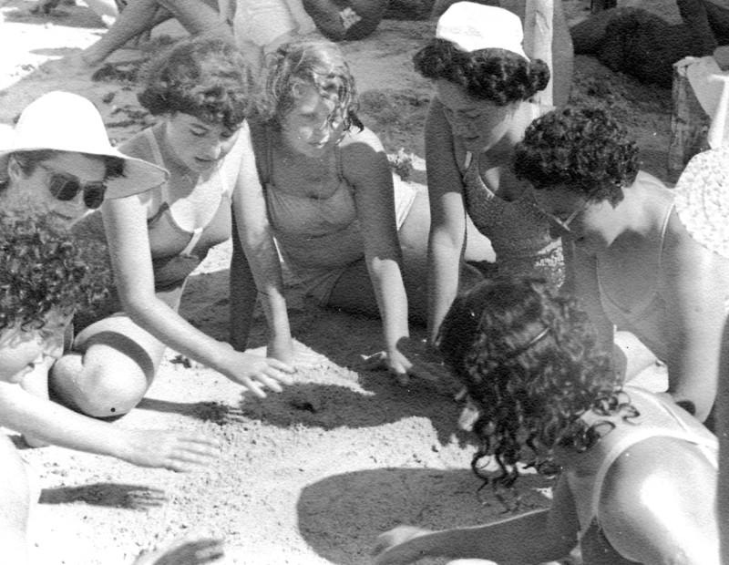 תמונה 22- 130 - קבוצת תומר בקייטנה - ציפי אסתר מירה 1957