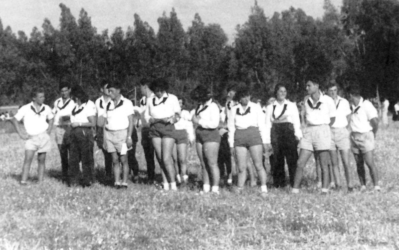 תמונה 2- 927 -ג'ש 1954-5-קבוצת תומר במפקד תנועתי-אורי פלו שלח אסתר חנה מאיר לוי פרדק-בנימין מאזה