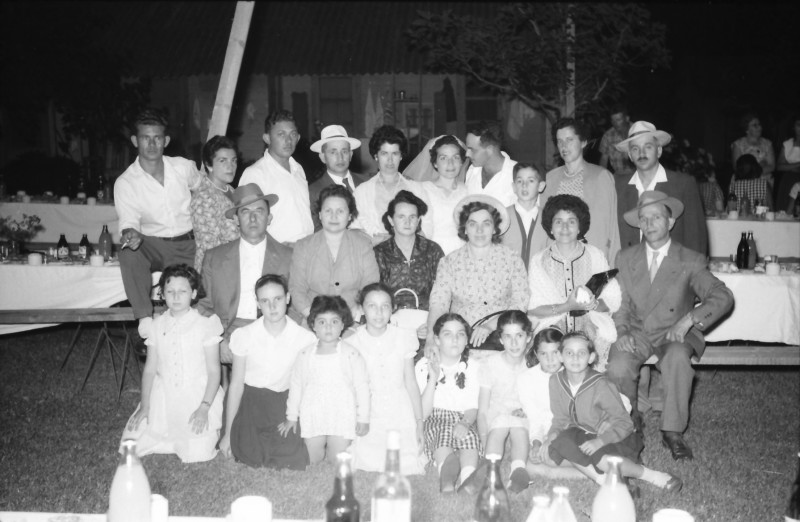 תמונה 15- 1210 -ג'ש 1960-5-בחתונה של איציק מילר (יסעור) ורחל