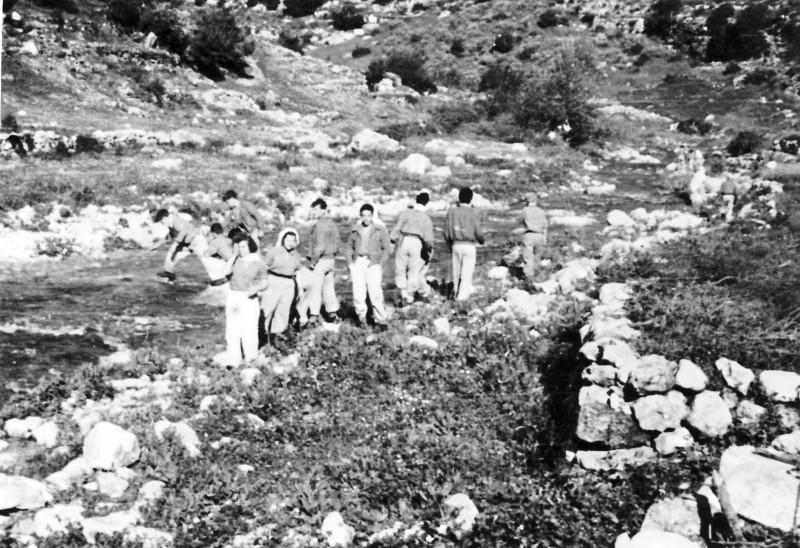 תמונה 16 -946 -ג'ש 1948-52-קב' יסעור בטיול