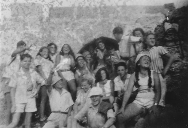 תמונה 16- 1437-ג'ש 1949-קב' יסעור בחוף קיסריה
