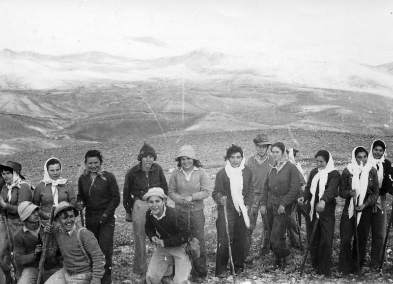 תמונה 17- 272 - טיול שבלים ויסעור שנות ה-50 - צלינה ממט ענת הרפז פרדז'ה ודז'ובק רוטברד עמי שבלים
