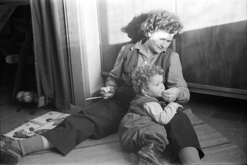 תמונה 23- 444 -גן-שמואל 1953-7-צלינה סאלד-קב' יסעור