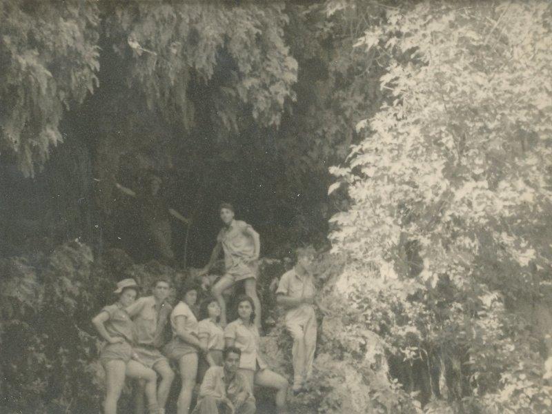 תמונה 13- 908 -ג'ש 1957-קב' ארז-בטיול בעין גדי