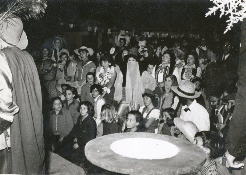 תמונה 23- 908 -ג'ש 1957-קב' ארז-פורים במוסד
