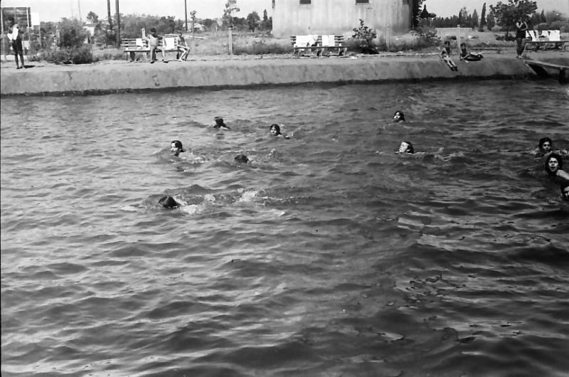 תמונה 26- 611 -ג'ש 1955-קב' ארז-בבריכת השחייה במוסד