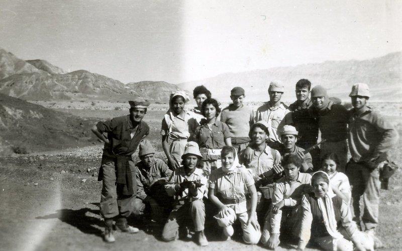 תמונה 64- 908 -ג'ש 1957-קב' ארז בגדנע בבאר אורה עם איציק מילר