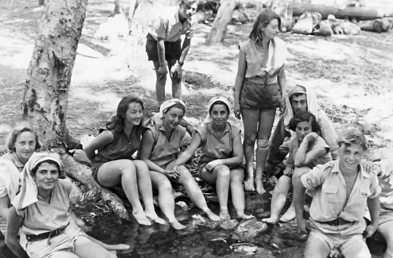 תמונה 21- 336 - קבוצת שלהבת בטיול שנות ה-50