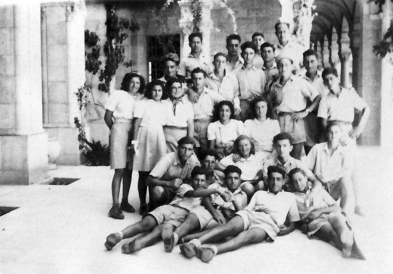 תמונה 3- 335 - הנוער בתורכי בטיול - שנות ה-40-50
