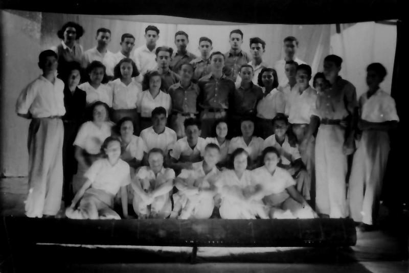תמונה 4- 335 - הנוער התורכי בהצגת סיום שנות ה-40-50