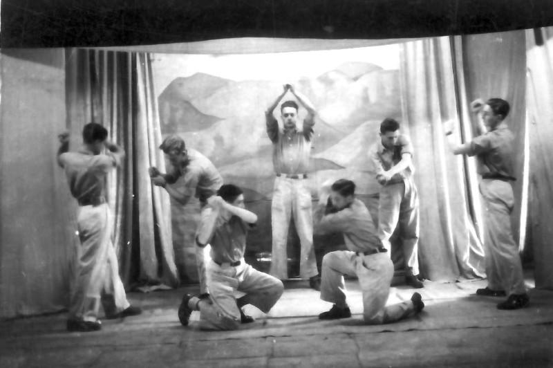 תמונה 6- 335 - הנוער התורכי במסיבת סיום שנות ה-40-50