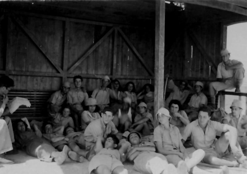 תמונה 9- 335 - הנוער התורכי בטיול שנות ה-40-50