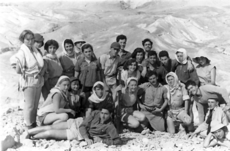 תמונה 10- 336 - קבוצת שלהבת בטיול בדרום שנות ה-50