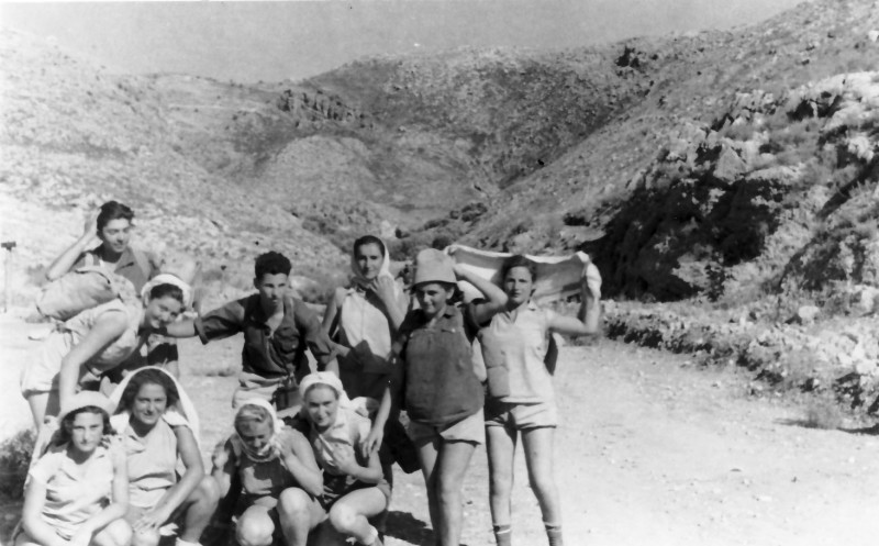 תמונה 14- 336 - קבוצת שלהבת בטיול שנות ה-50
