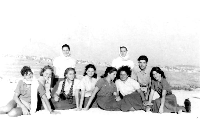 תמונה 15- 336 - קבוצת שלהבת בטיול שנות ה-50