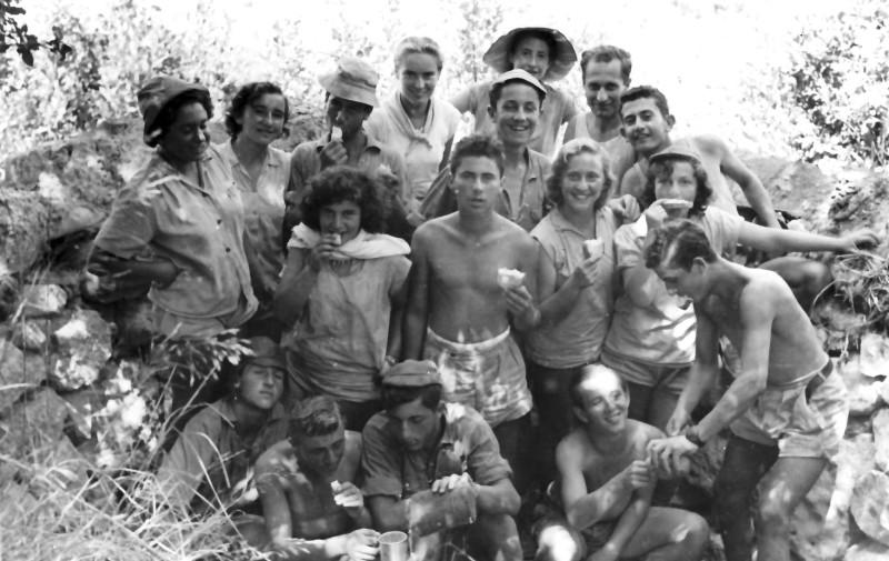 תמונה 18- 336 - קבוצת שלהבת בטיול שנות ה-50