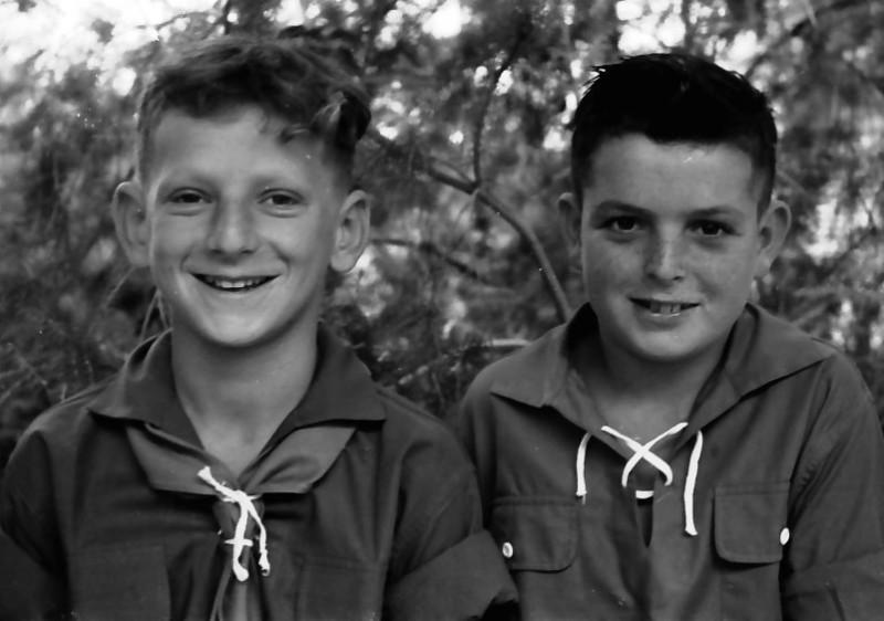תמונה 6- 525 -גן-שמואל 1957-אבי זכאי עמוס ניר