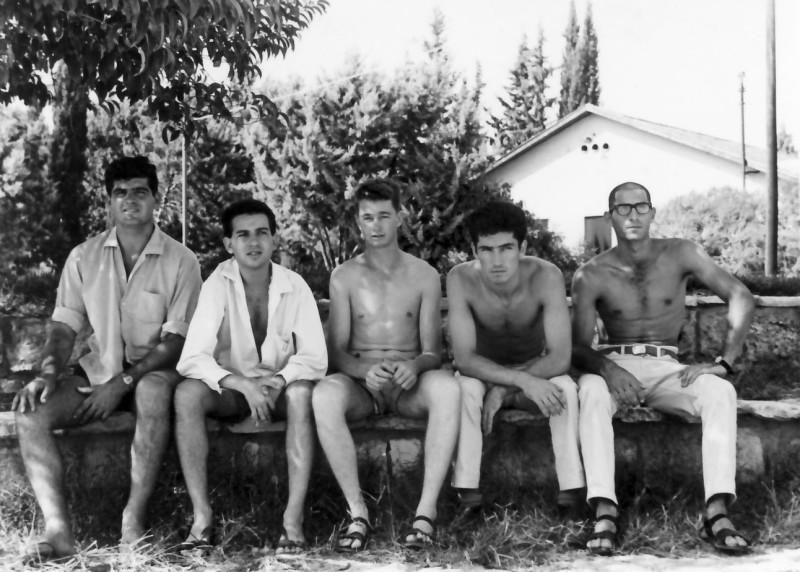 תמונה 4- 353 - בני קבוצת רימון כיתה י'ב 1965 - אודי אדיב ארנון הדר אברהם פרנק ברוך
