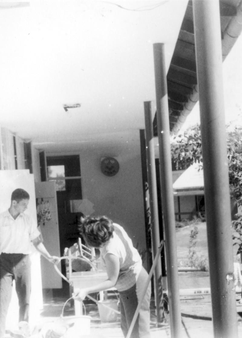 תמונה 5- 966 -ג'ש 1965-6-קב' רקפת-בביתן המוסד-שאול שכטמן