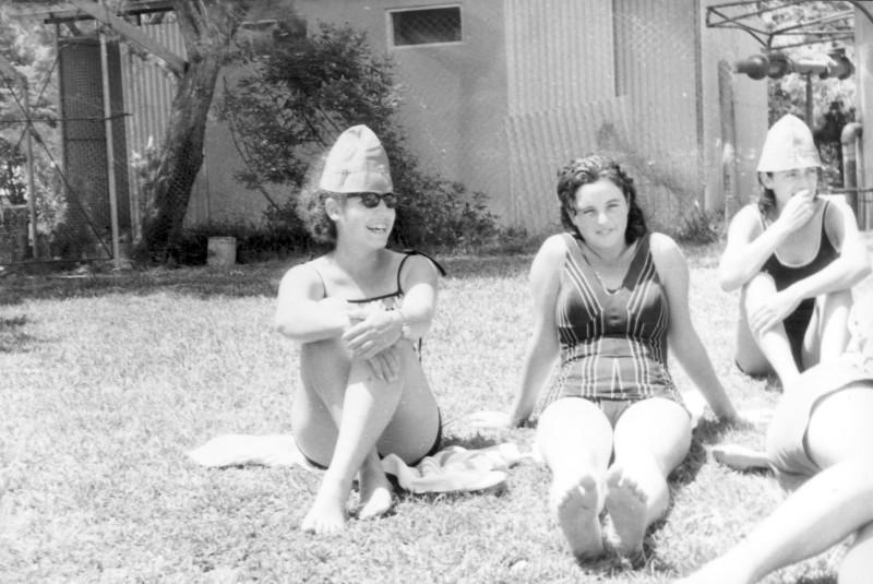 תמונה 18- 966 -ג'ש 1965-6-קב' רקפת-צפור שקדי גילה אולייר נורית יגאל