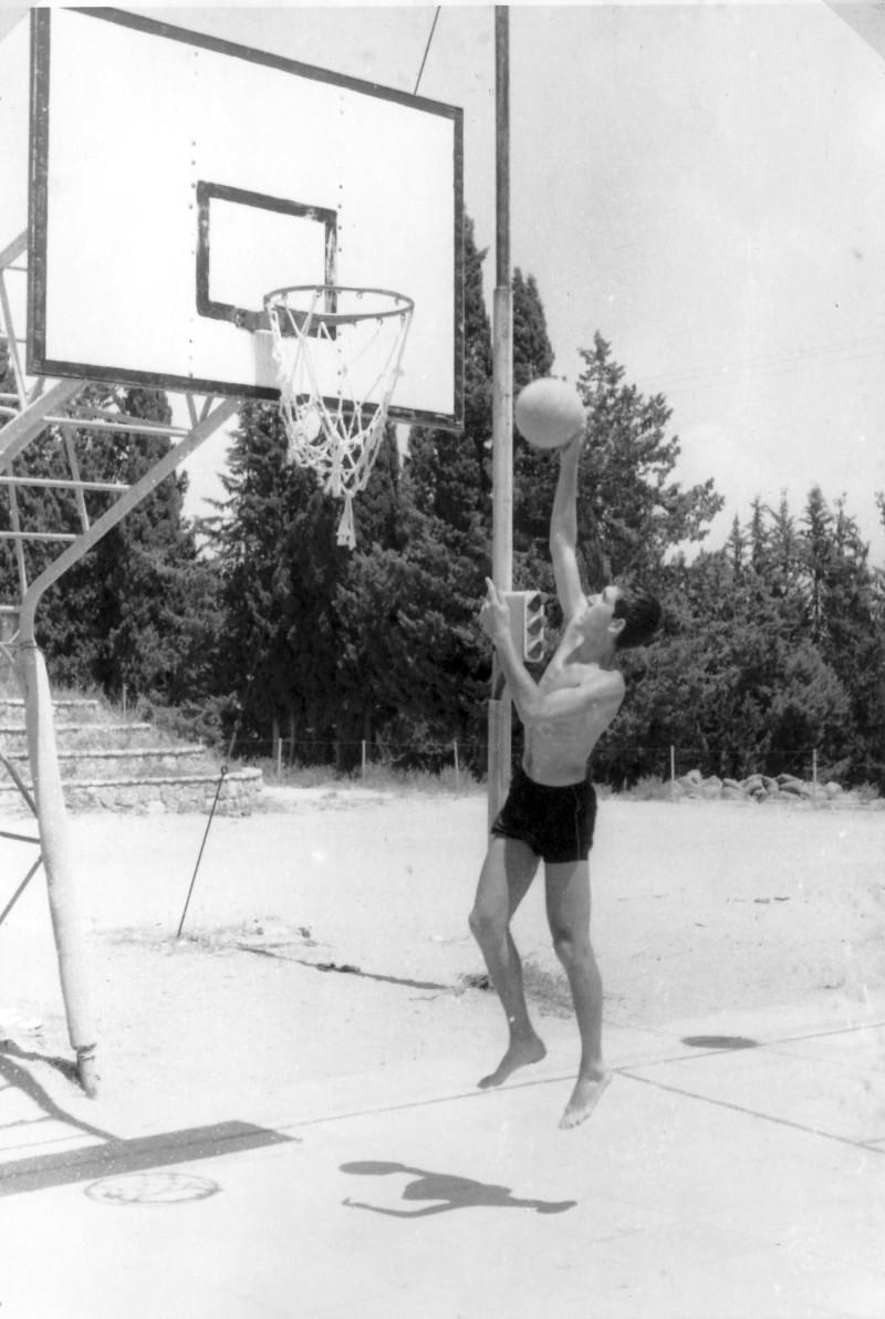 תמונה 21- 966 -ג'ש 1965-6-קב' רקפת-כדורסל-עודד לוי